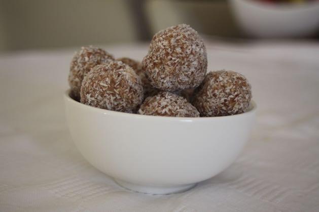 kids-snacks-nut-free-Caramel-Bliss-Balls