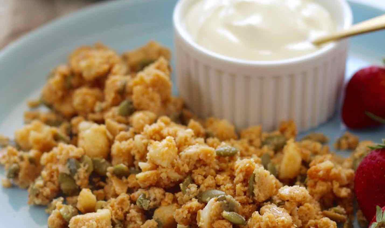 peanut-butter-granola-feature